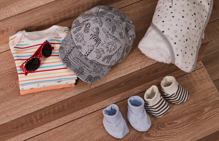 Lunettes de soleil pour bébé, bonnets, chaussures et autres accessoires pour bébé
