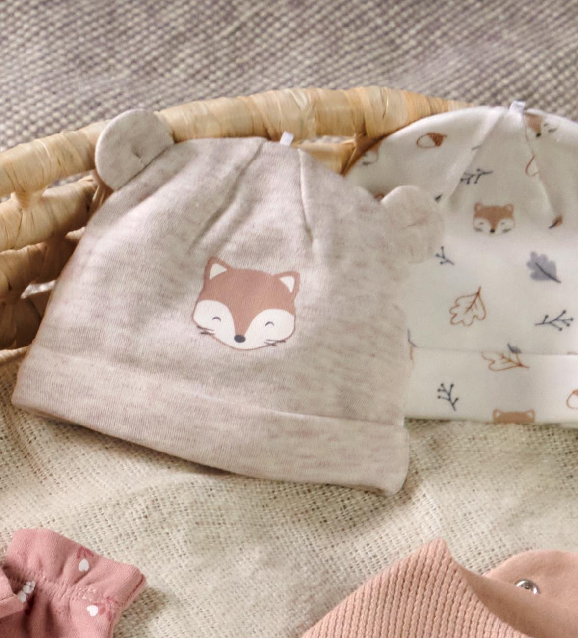 Baby-Mode: Warme Babymütze mit Eisbär-Motiv